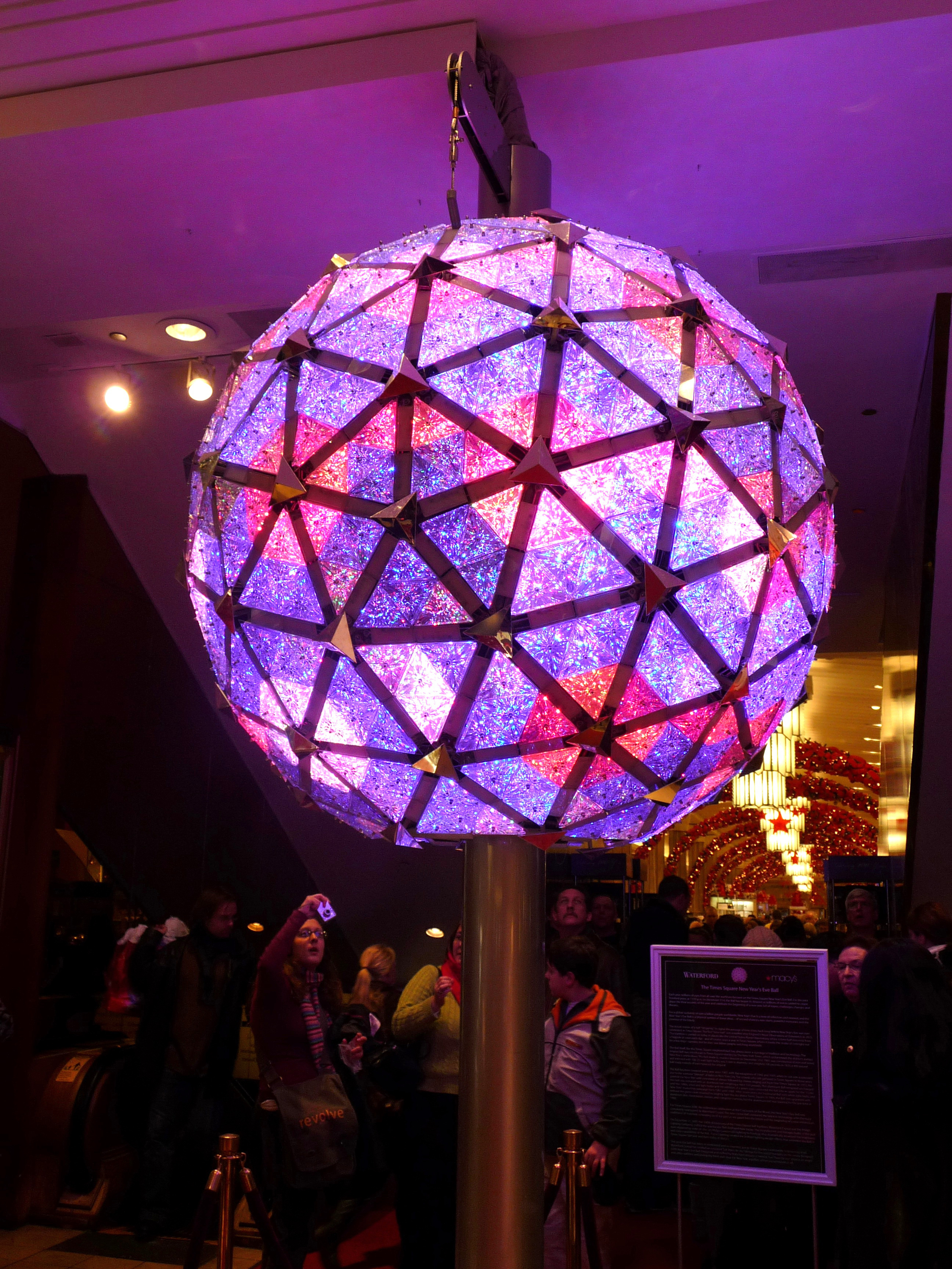 Weekly Comment:Times Square's Waterford Crystal New Year's