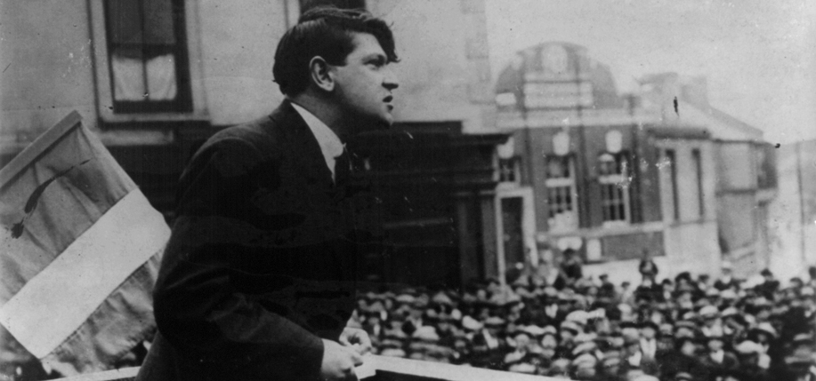 Collins  addresses a crowd in Cork, 1922.