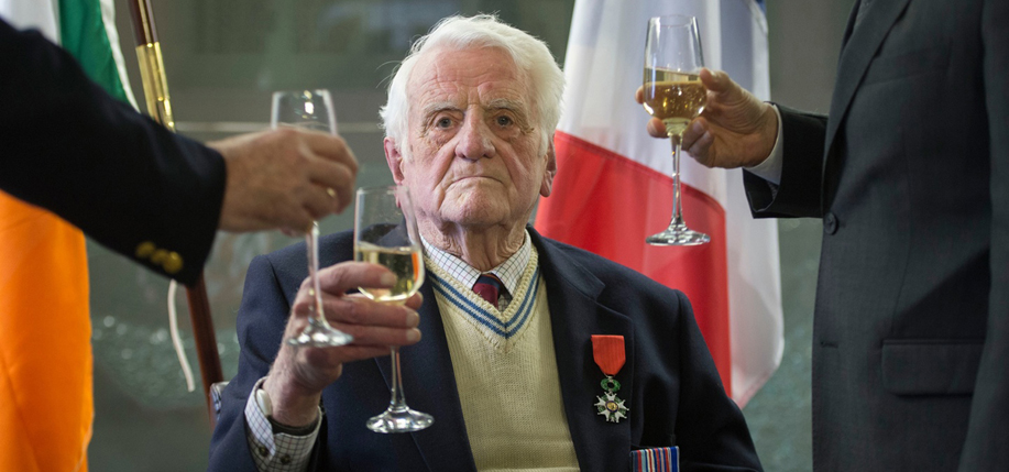 Jack Mahony received the Chevalier de La Légion d'Honneur for his valor during WWII.