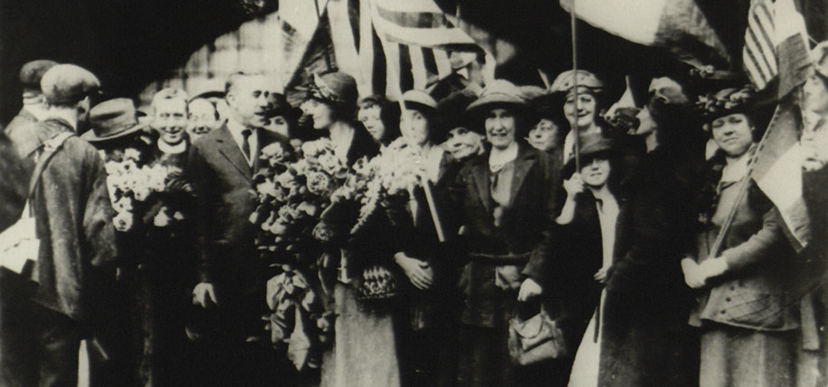 Joseph  McGarrity greeting Countess Constance Markievicz at Broad Street Station, Philadelphia in April 1922.