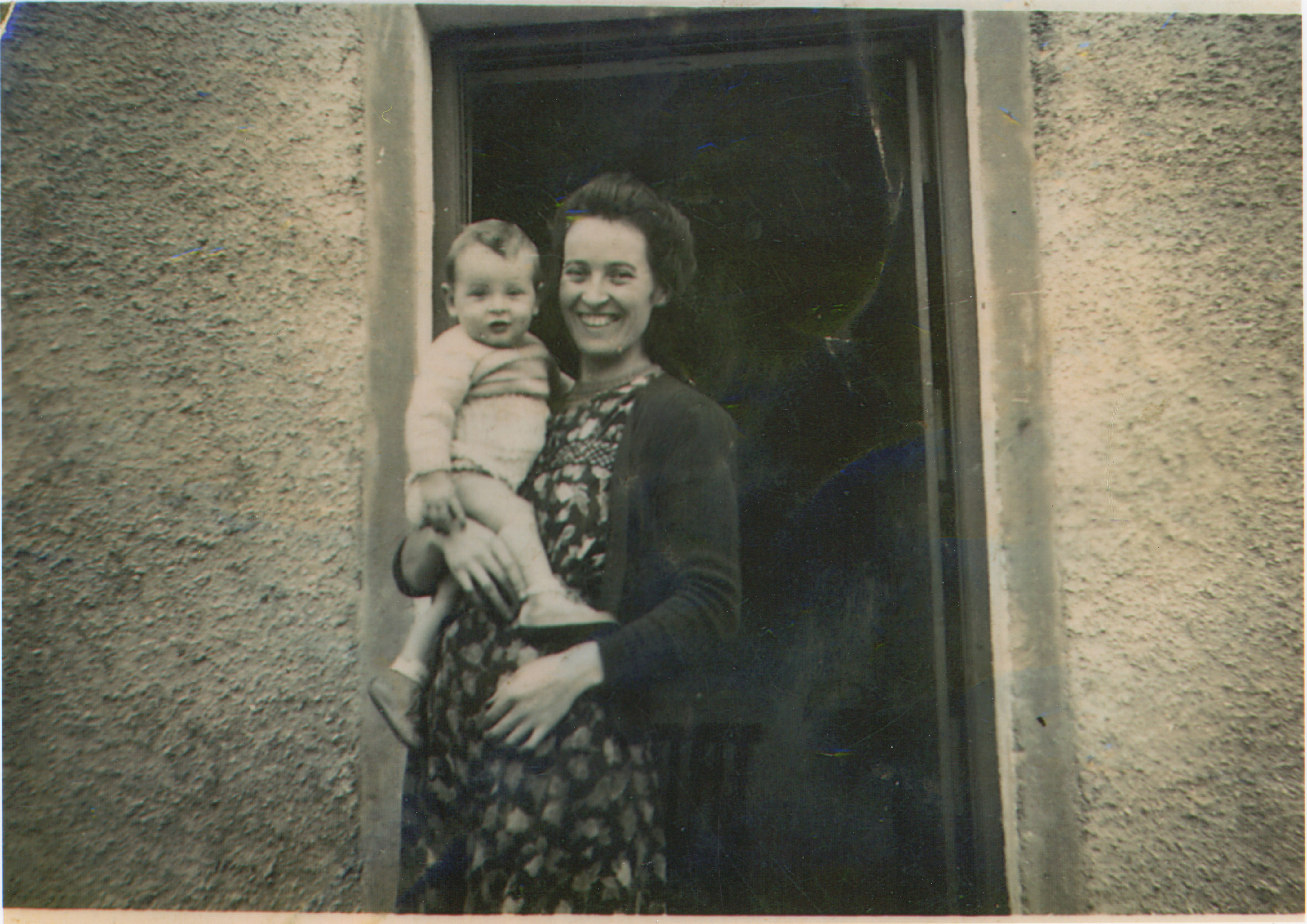 4.Dowling and his mother 1950