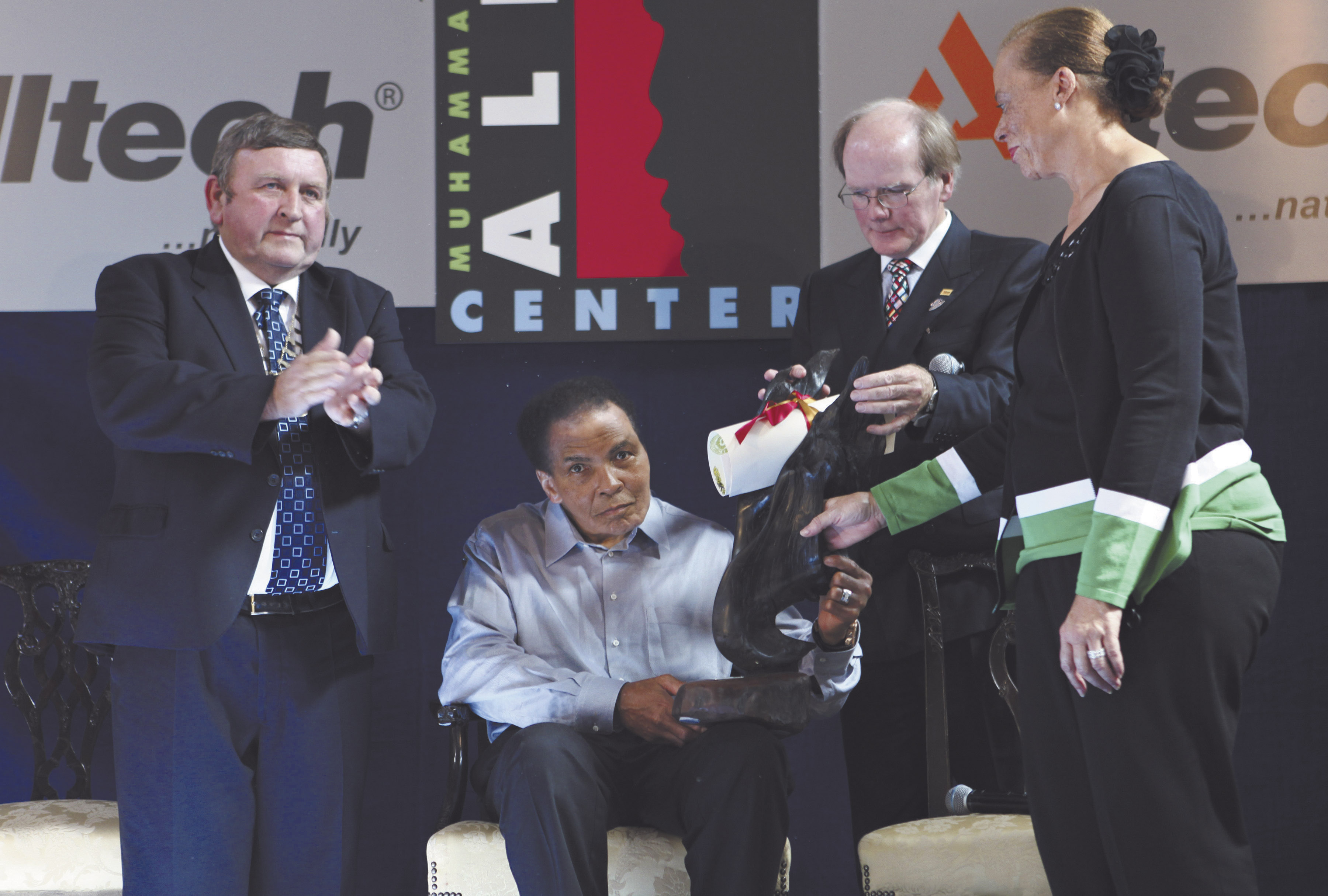 Muhammad Ali in Ennis with Mayor Frankie Neylon, Dr. Pearse Lyons, president of Alltech, and Ali's wife Lonnie.