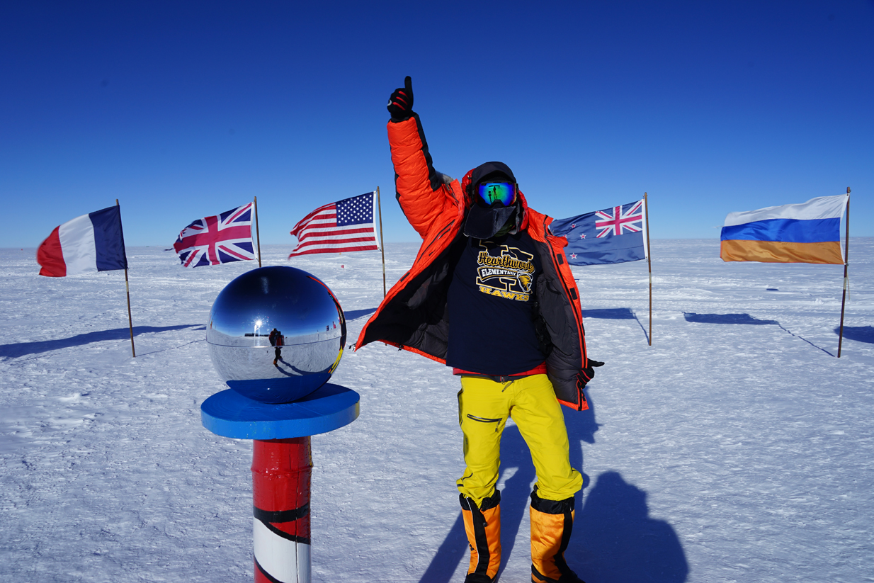 O'Brady at the South Pole, wearing a  t-shirt from Hearthwood Elementary School in Vancouver, WA, one of the schools he visited before he left.