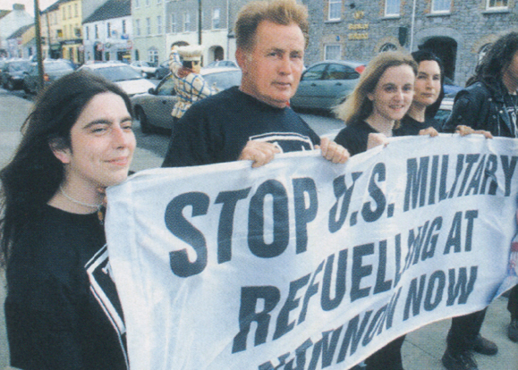 Martin Sheen with Irish War protestors.