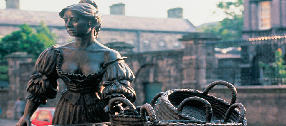 Dublin's iconic Molly Malone statue. Photo courtesy of Tourism Ireland.