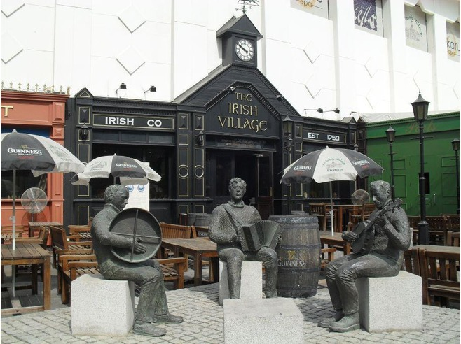 Dubai's Irish Village. (Image: thoughtyoumayask.com)