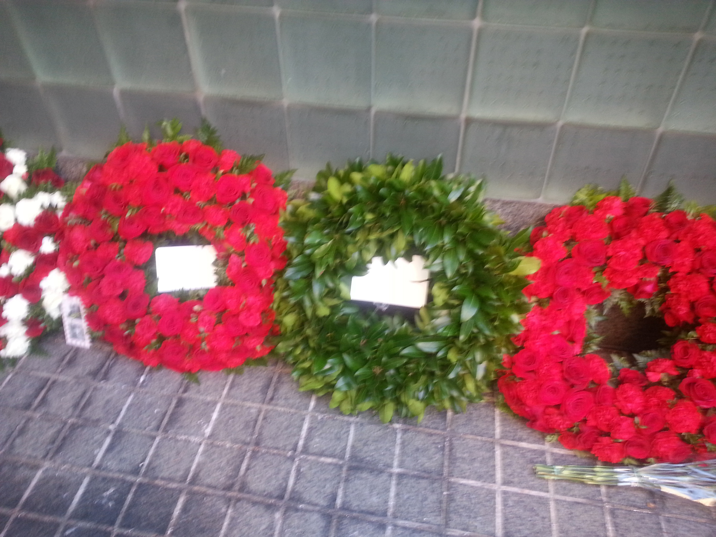 Traditional Irish laurel leaf wreaths laid in New York commemorate the Irish who died serving with Allied troops at Gallipoli.
