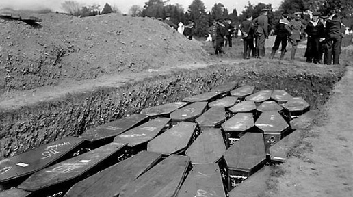 Lusitania mass grave in Kinsale. (A.H. Poole Lusitania Collection, National Library of Ireland)