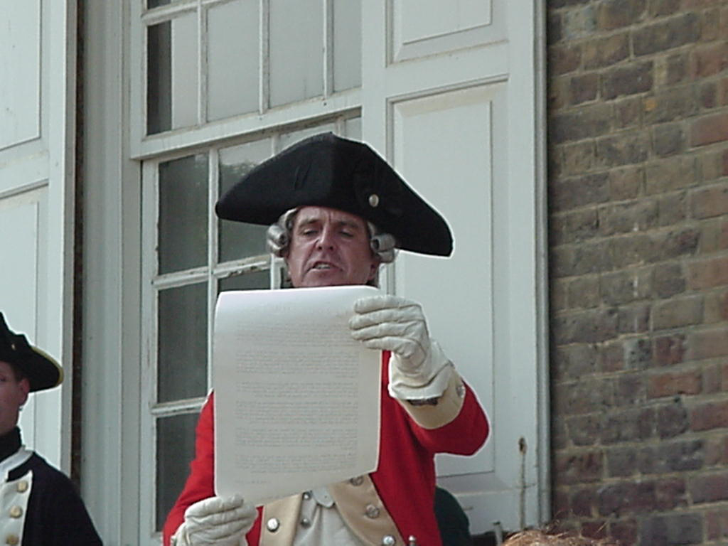 At 12 noon the Town Crier will make an announcement followed by a reading of the Declaration of Independence by the Chairman of the New Ross Municipal District. (Photo: irishamericaday.com)