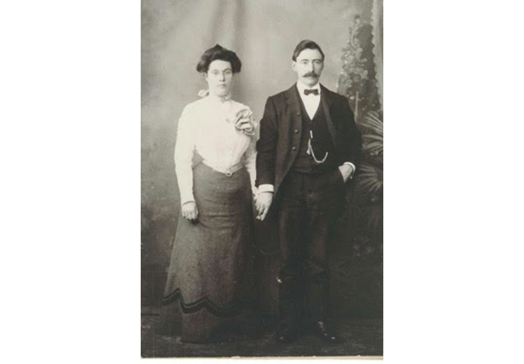 Eleanor and Michael Kirwin from Horseleap Cross, Co. Galway who immigrated in the 1890s to Boston, where many of their descendants still live.