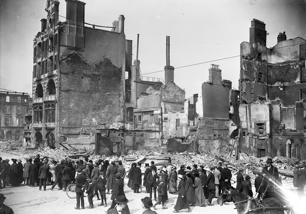 Bombarded by British artillery, Dublin's Bread Company building is brought to ruins.