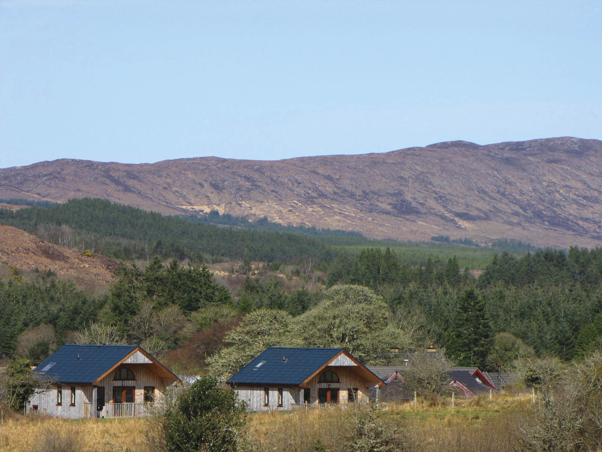 The cabins at Ard Nahoo, Co. Leitrim, where the importance of simple pleasures is emphasized.