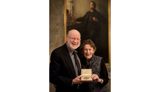 William C. Campbell and his wife, Mary, showing the Nobel Medal during their visit to the Nobel Foundation on  December 12, 2015. (Copyright © Nobel Media AB 2015