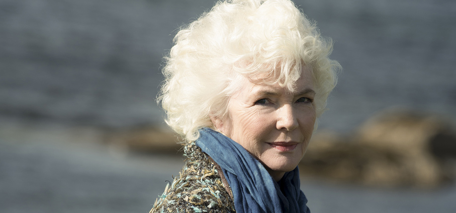 Fionnula Flanagan has written a letter calling on people to send videos in support of housing Ireland's homeless population.