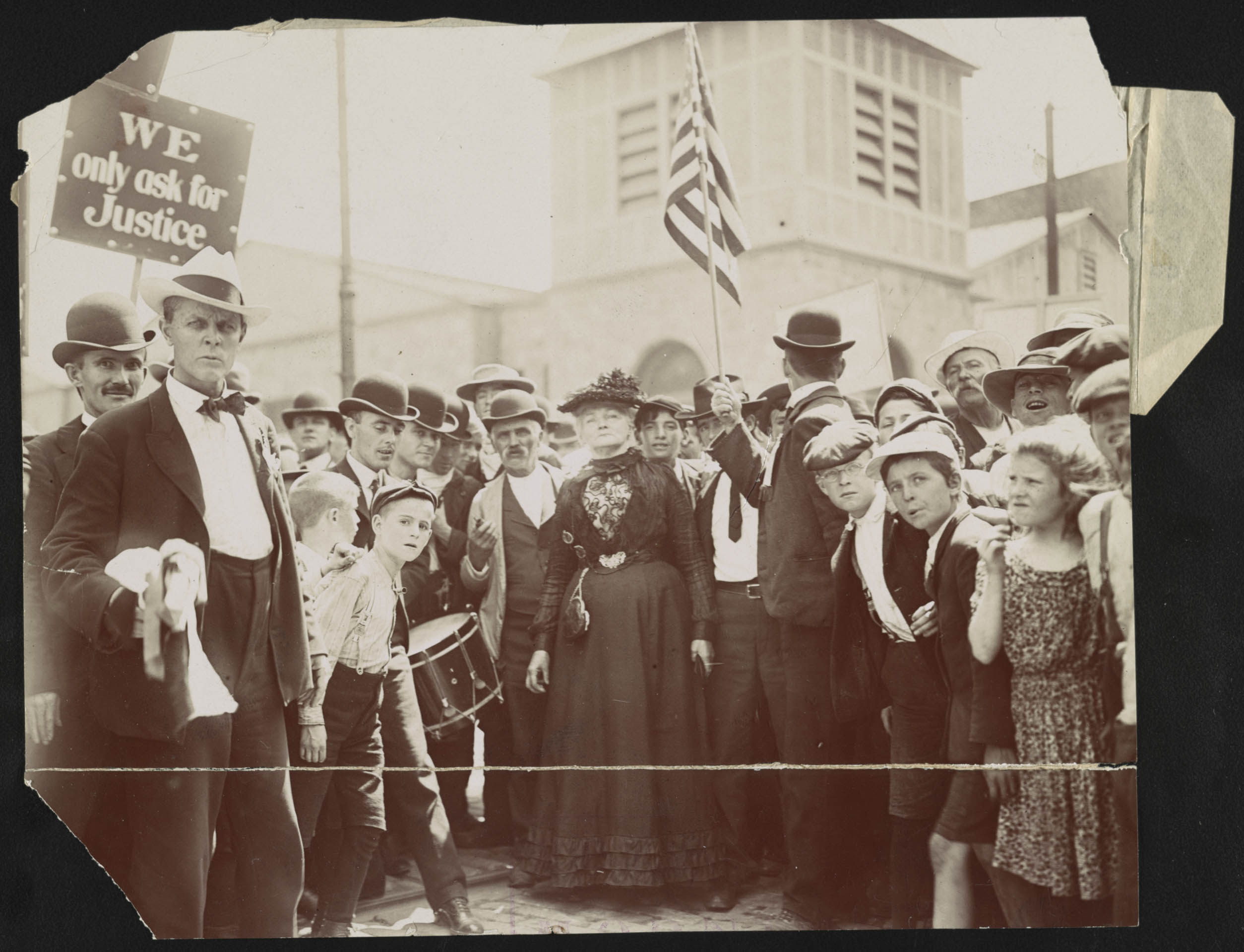 "Mary Harris ""Mother"" Jones with children and adults beginning their  ""Children's Crusade"" to walk from Philadelphia to Oyster Bay, New York, to publicize the conditions of children working in textile mills. (Photo: Library of Congress)"
