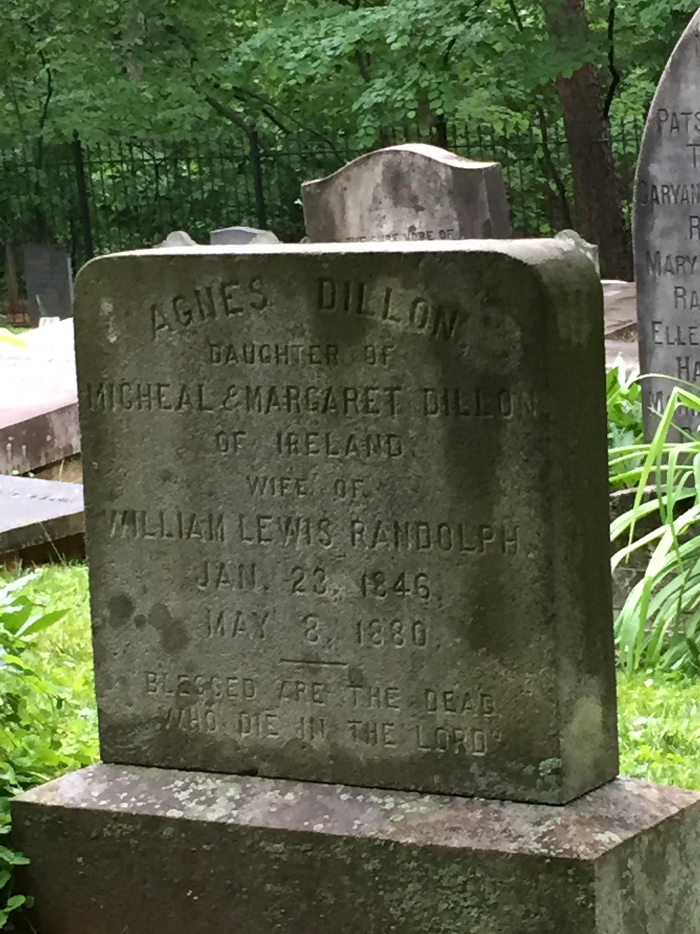 Irish grave in Thomas Jefferson's private burial plot. (Photo courtesty of the author)