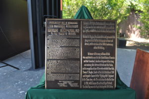 A close-up shot of the plaque, which bears segments of the 1916 Proclamation. Its inscription is presented in both English and Irish. (Photo: courtesy of the Department of Foreign Affairs)