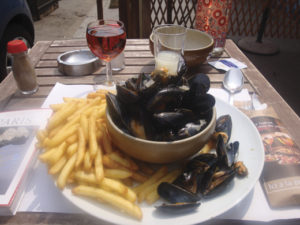 Moules frites with rose and pastis.