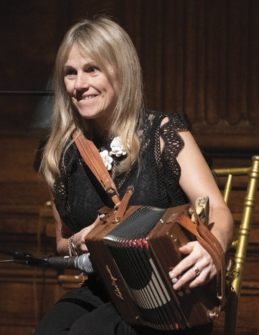 <em>Sharon Shannon, the legendary Irish musician who performed at the dinner, flying in from Ireland especially for the occasion.</em>