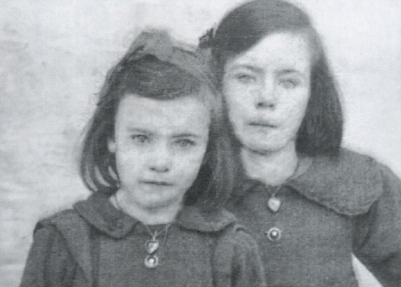 Mary Ellen O'Connor (right) & her sister Bridie before Mary Ellen moved to America.